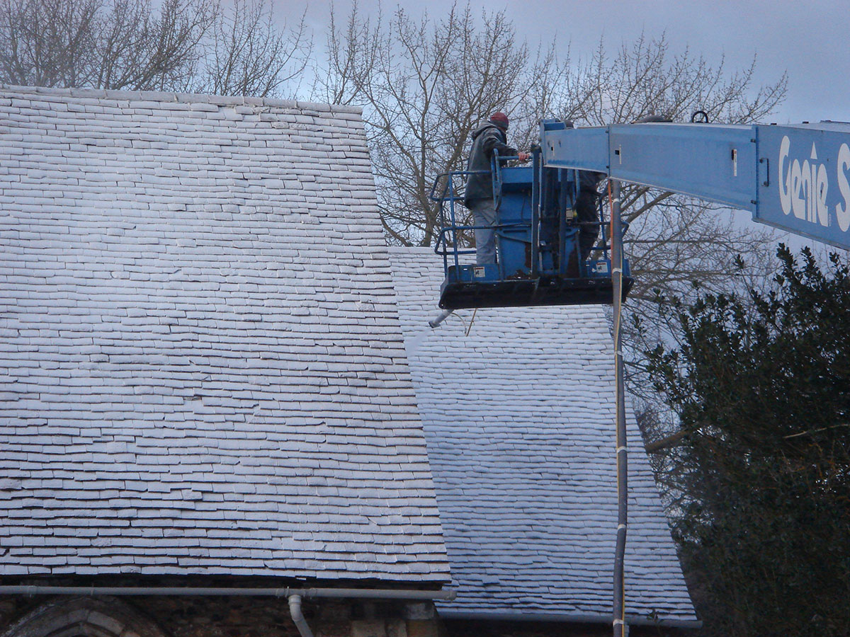 Frost effect on a roof by Snow Business